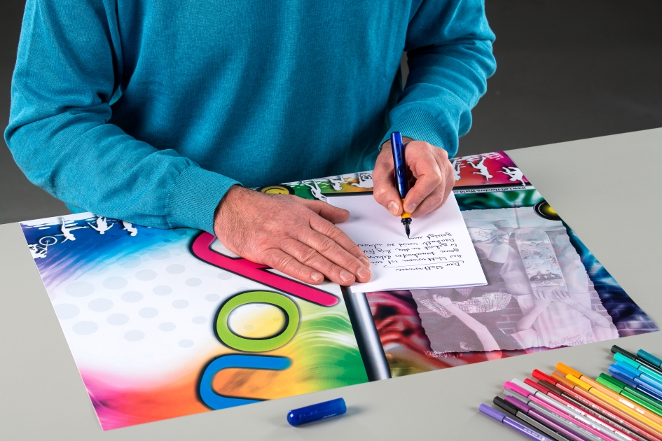 Einweisung in die Linkshänder-Schreibunterlagen